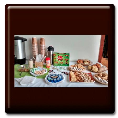 Servicio de café con pastas selectas