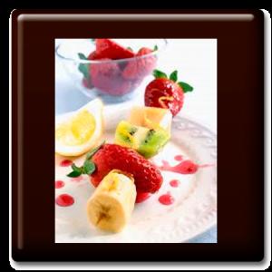 Brochetas de frutas con salsa de mango